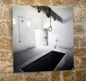 gallows-photo