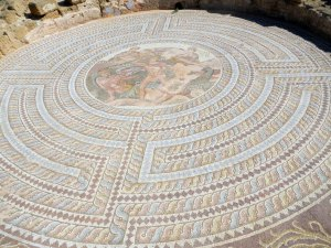 circular-mosaic-from-house-of-Theseus