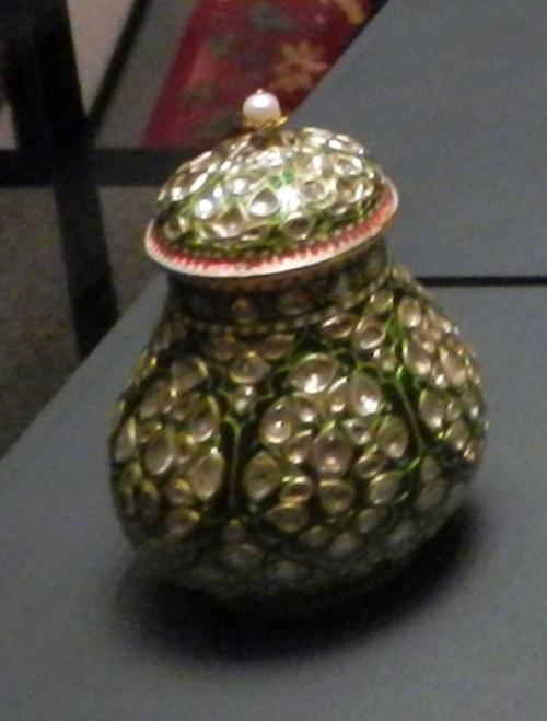 17th-c-jar