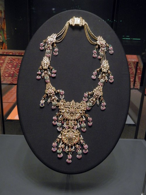 19th-C-Indian-necklace