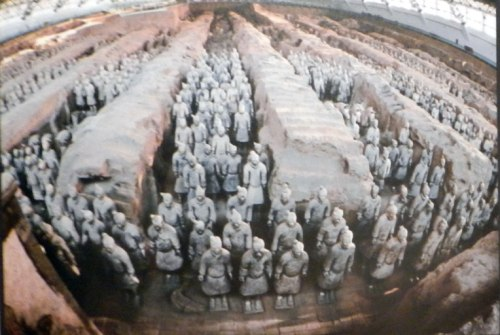 photo-of-terracotta-soldiers-pit